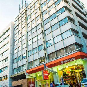 横浜駅前オフィスの外観
